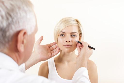 What is a Facial Fat Transfer (facial fat graft)?